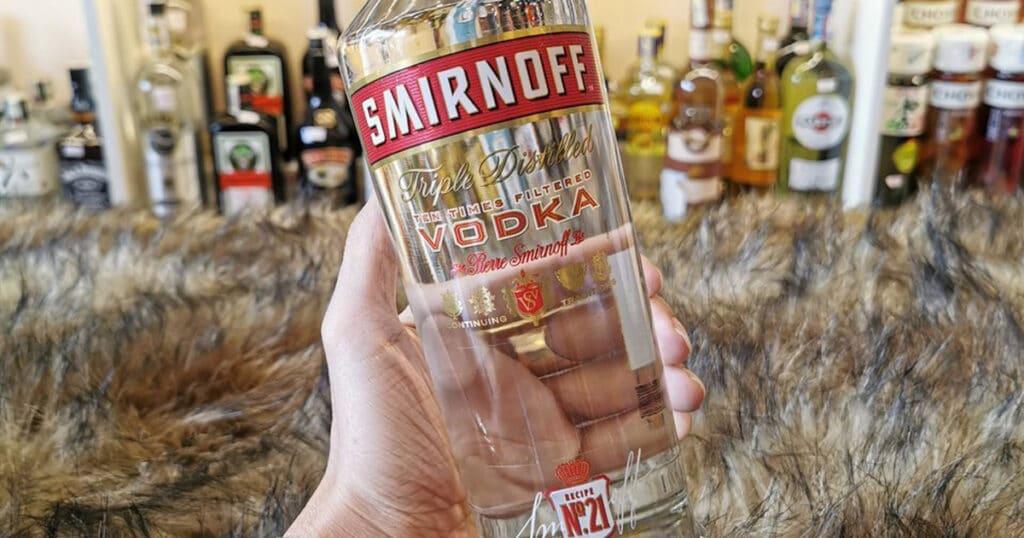 Vodka-Smirnoff-Red-huong-vi-tuyet-dinh-cua-Vodka-1