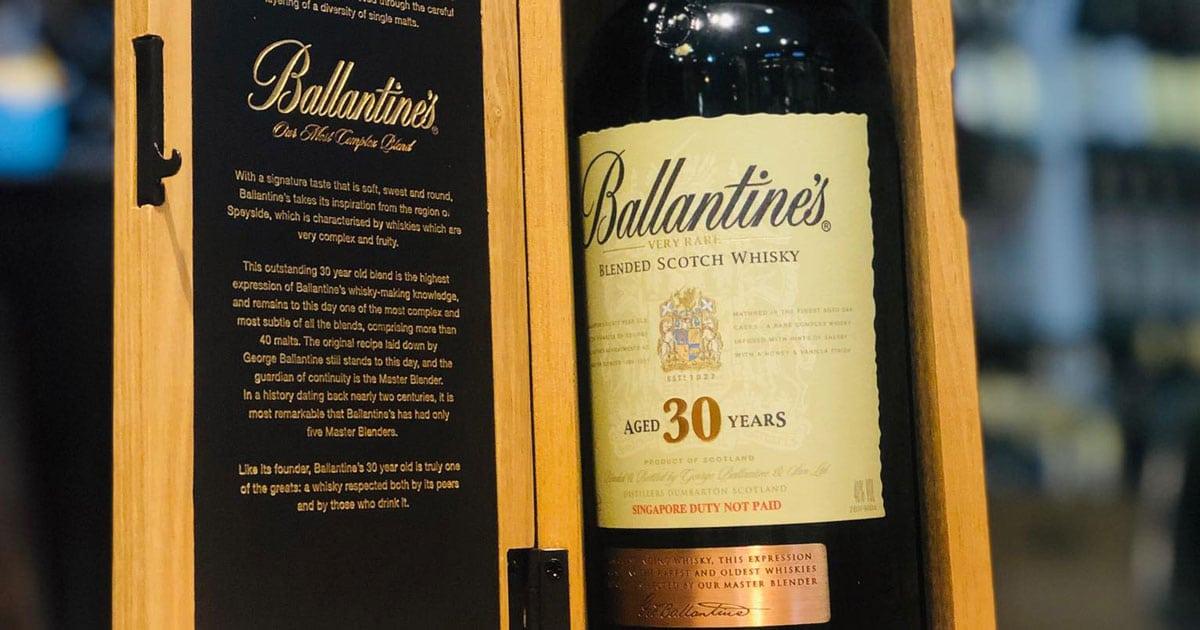 Ruou-ballantines-30-co-gi-noi-bat