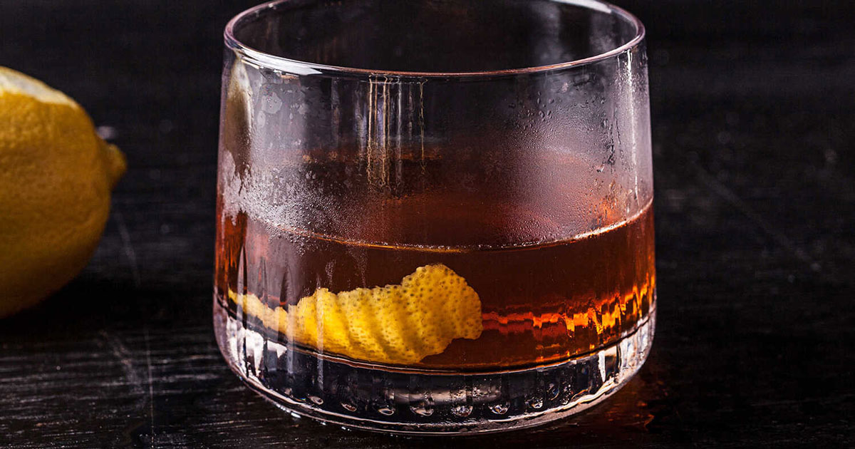 Vieux-Carre-cong-thuc-pha-che-Hennessy-VSOP